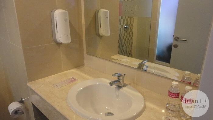 Pengalaman Menginap Di favehotel Jababeka Cikarang (Standard Room) 5