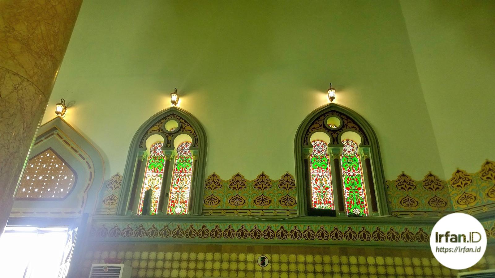 Tampak dari dalam Masjid Raya Al-Mashun Medan