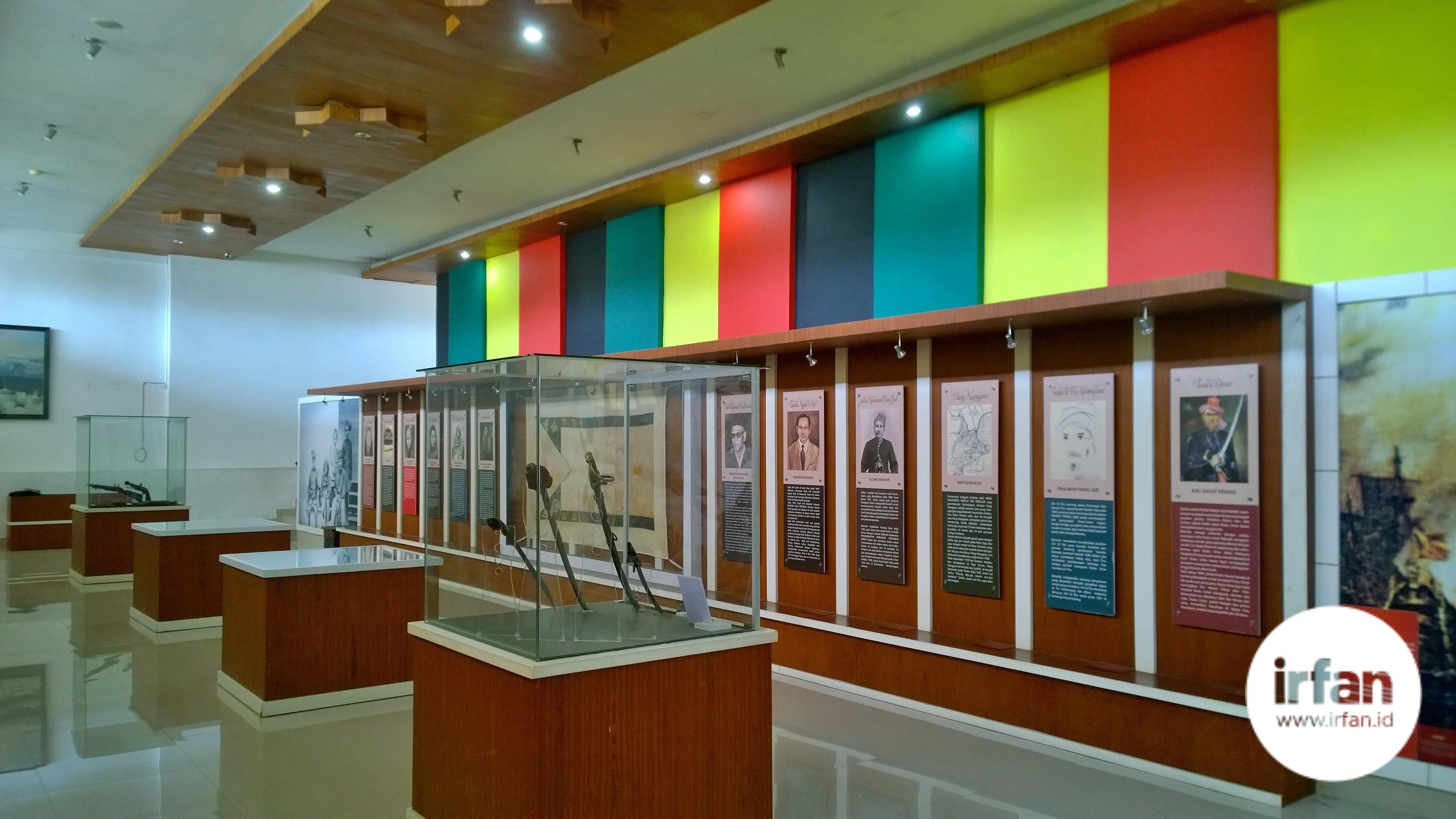FOTO: Museum Negeri Aceh, Wisata Sejarah Yang Wajib Dikunjungi 11