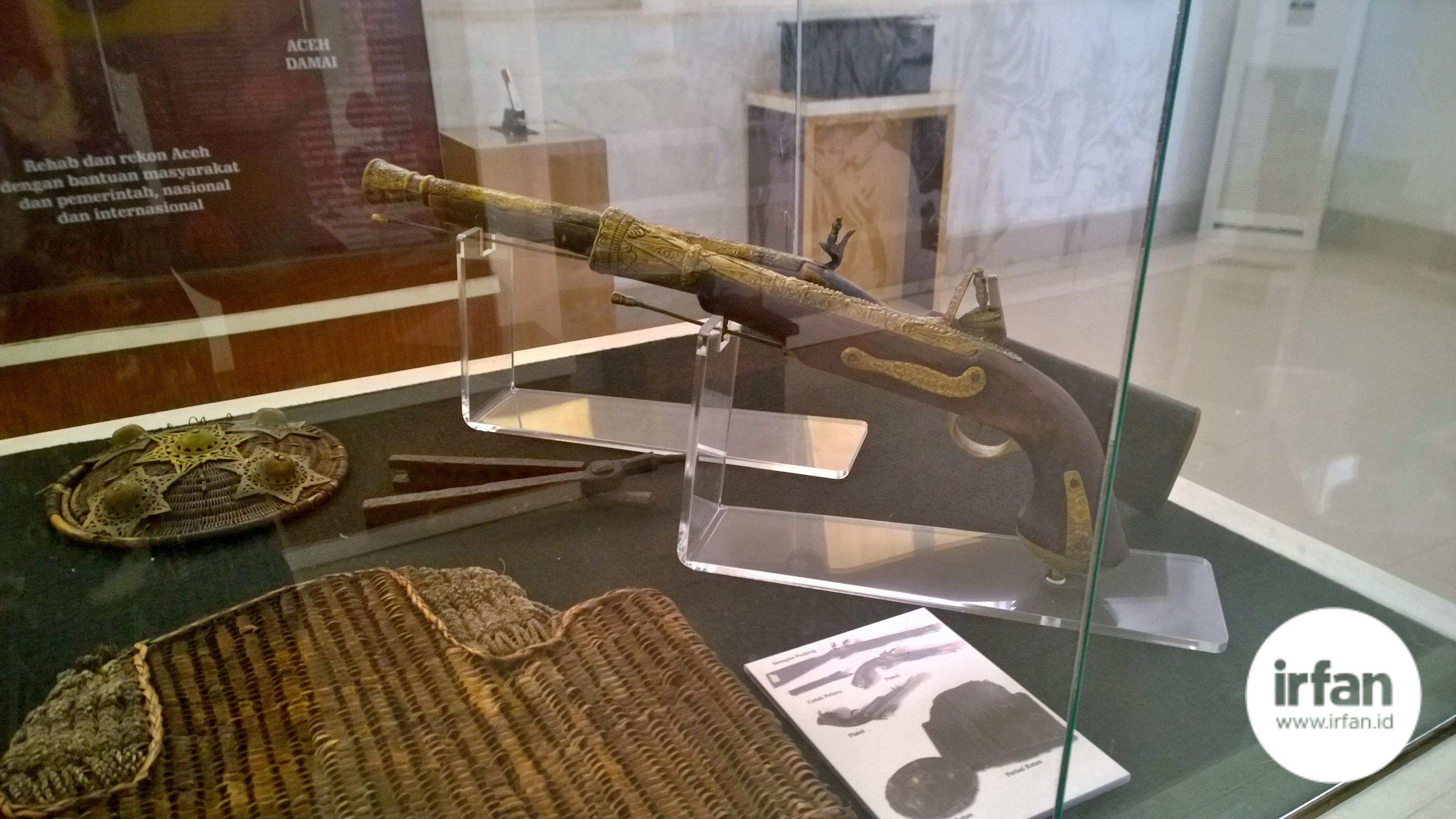 FOTO: Museum Negeri Aceh, Wisata Sejarah Yang Wajib Dikunjungi 17