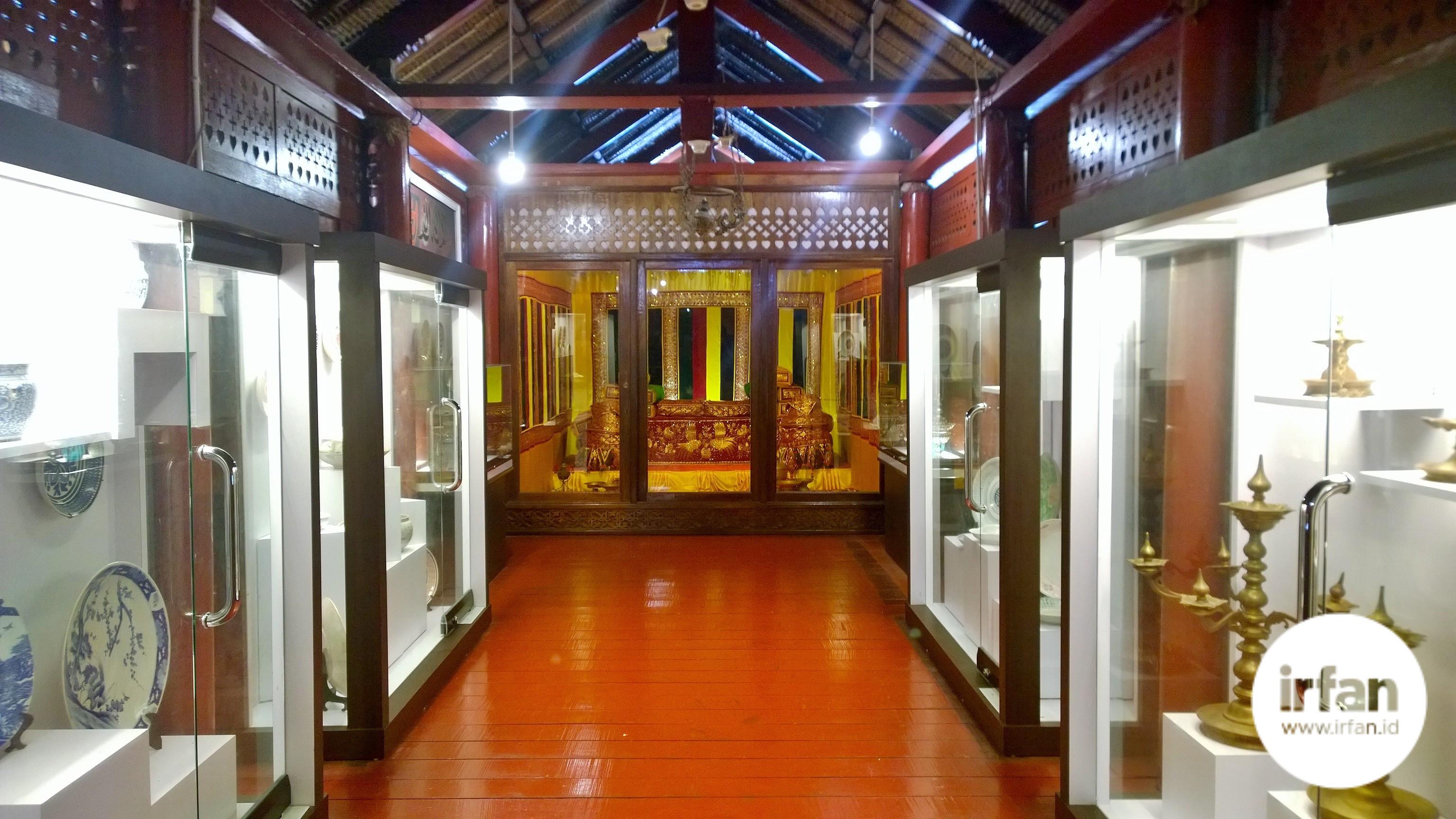 FOTO: Museum Negeri Aceh, Wisata Sejarah Yang Wajib Dikunjungi 45
