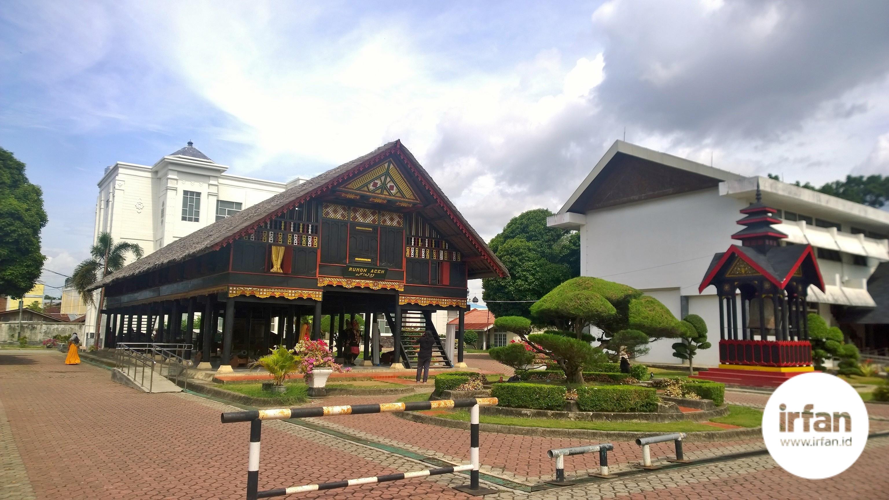 FOTO: Museum Negeri Aceh, Wisata Sejarah Yang Wajib Dikunjungi 35