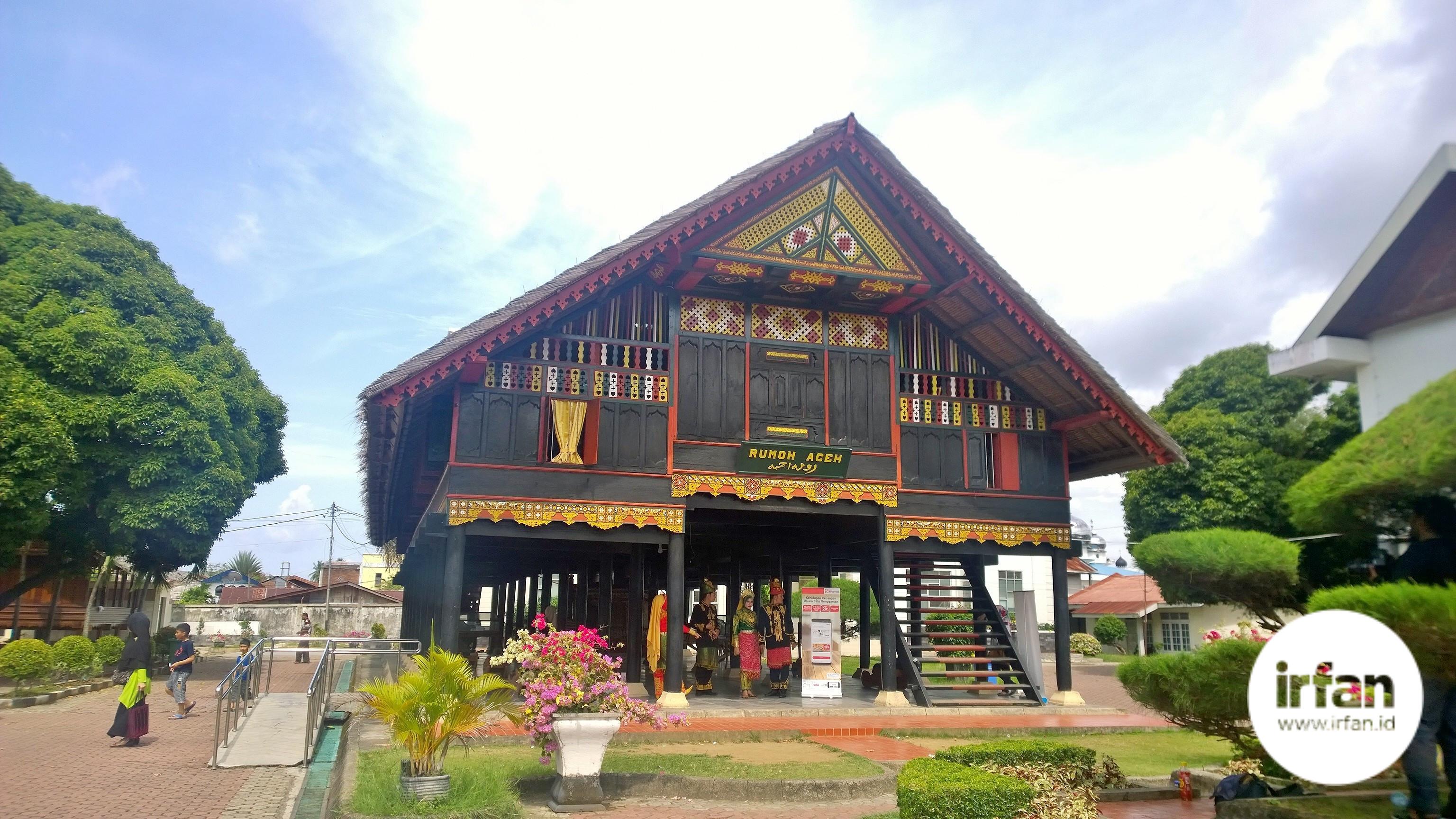 FOTO: Museum Negeri Aceh, Wisata Sejarah Yang Wajib Dikunjungi 38